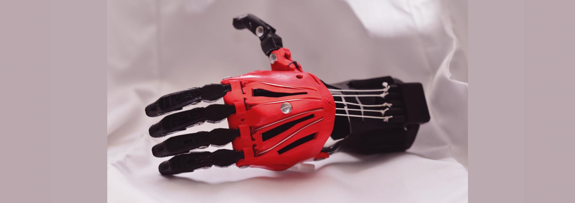 Протез руки изготовленный с помощью 3Д печати