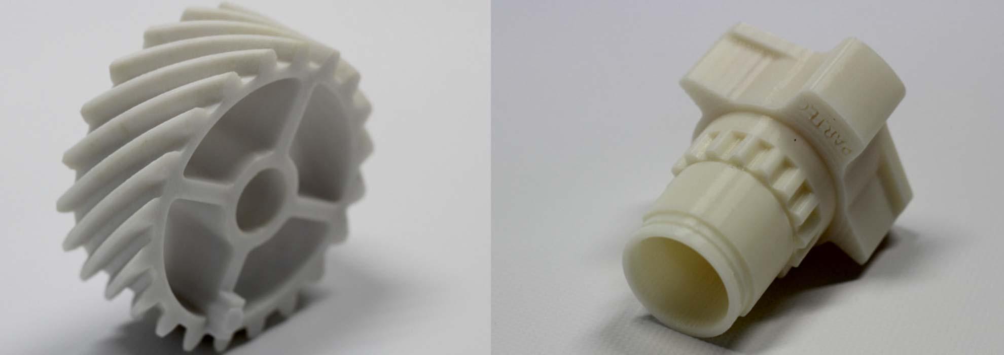 Шестеренки из белого пластика