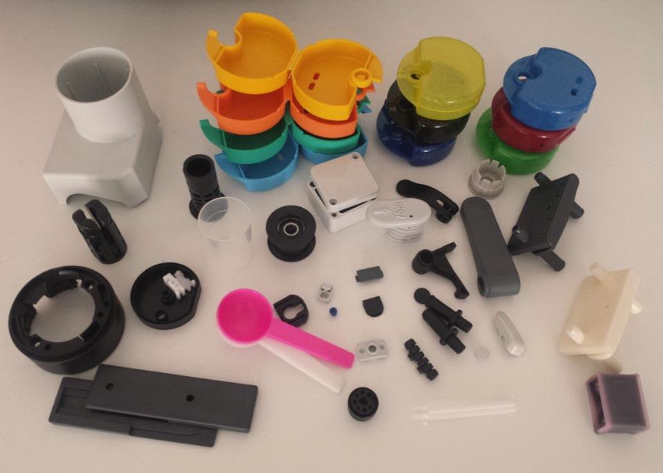 Пластиковые изделия произведенные методом литья пластика в силиконовые формы