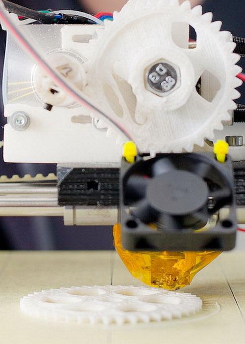 Процесс 3D печати шестерни на 3D принтере